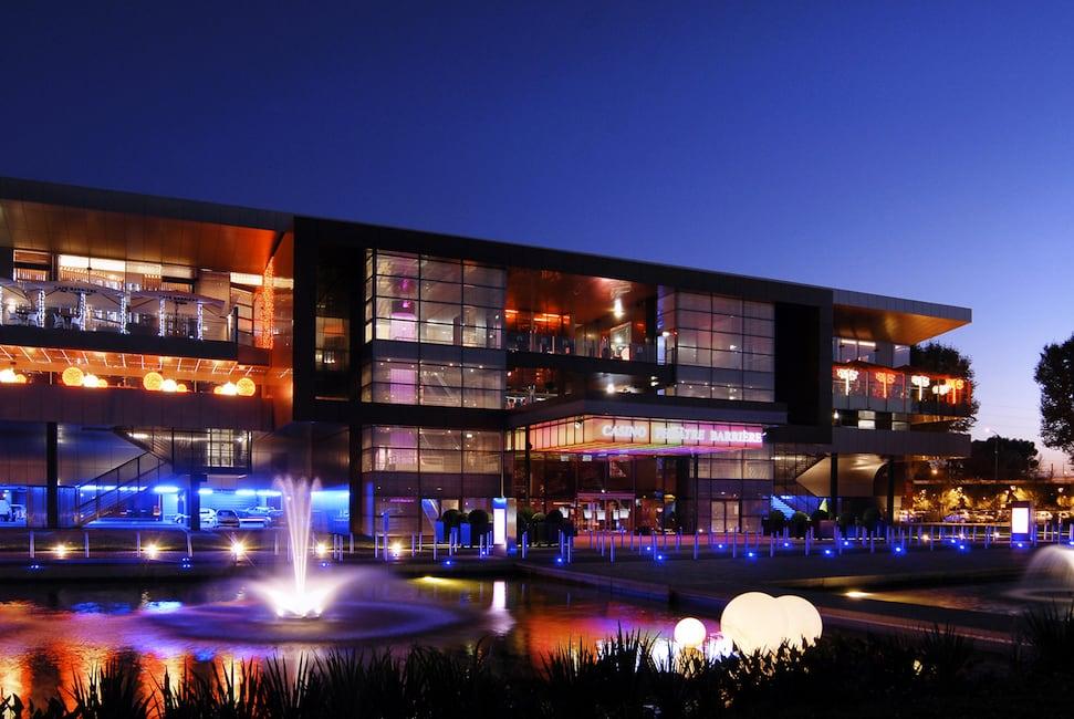Des coachs à disposition des clients dans les 34 casinos Barrière en France